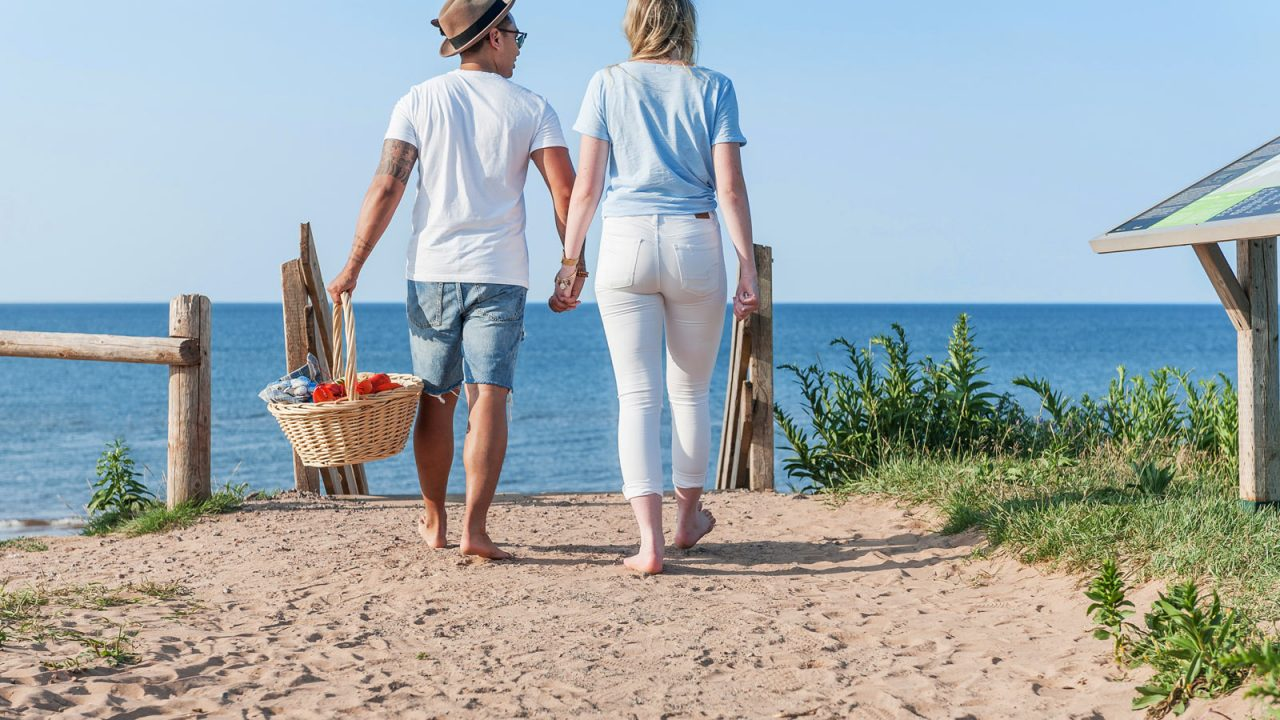 Visit PEI, Beach Picnic couple